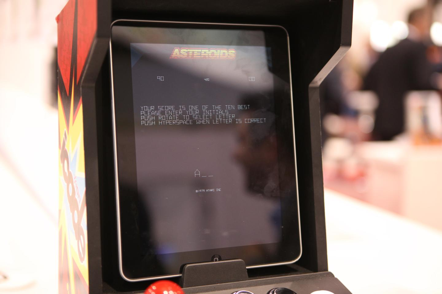 Retro Atari title such as Asteroids come with iCADE support