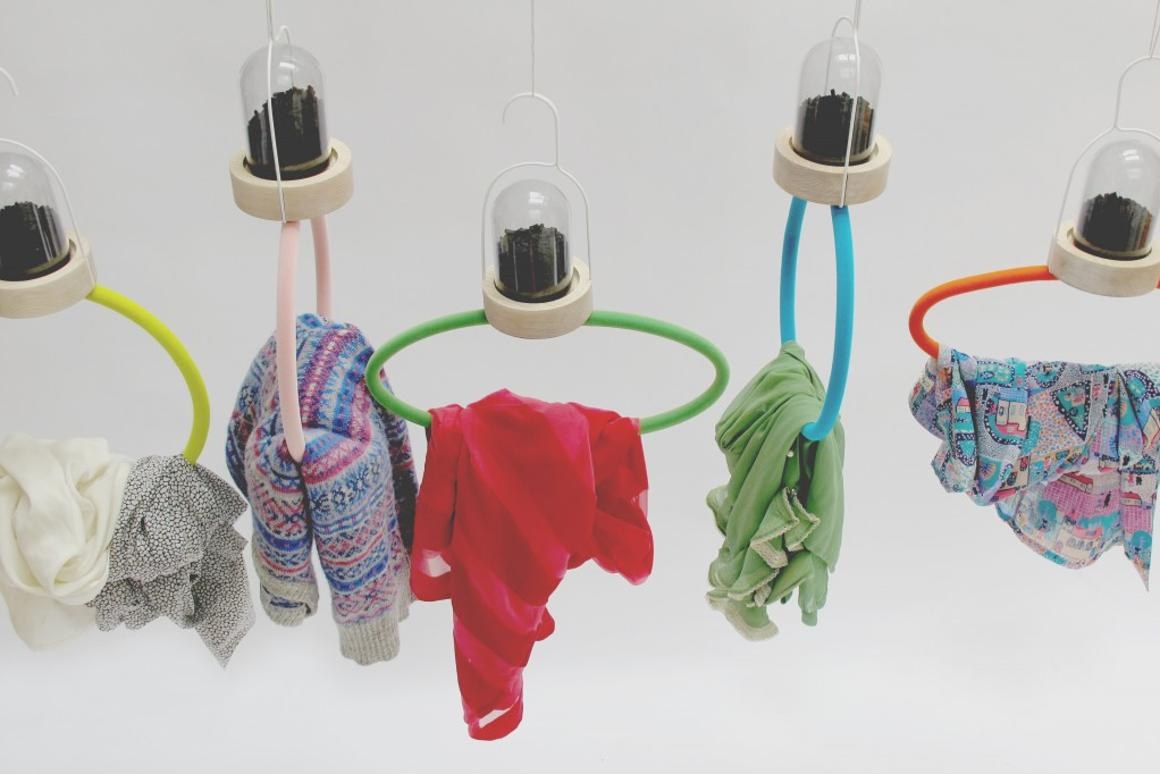 Bye Bye Laundry is a range of clothes hangers that uses the power of activated charcoal to absorb odors