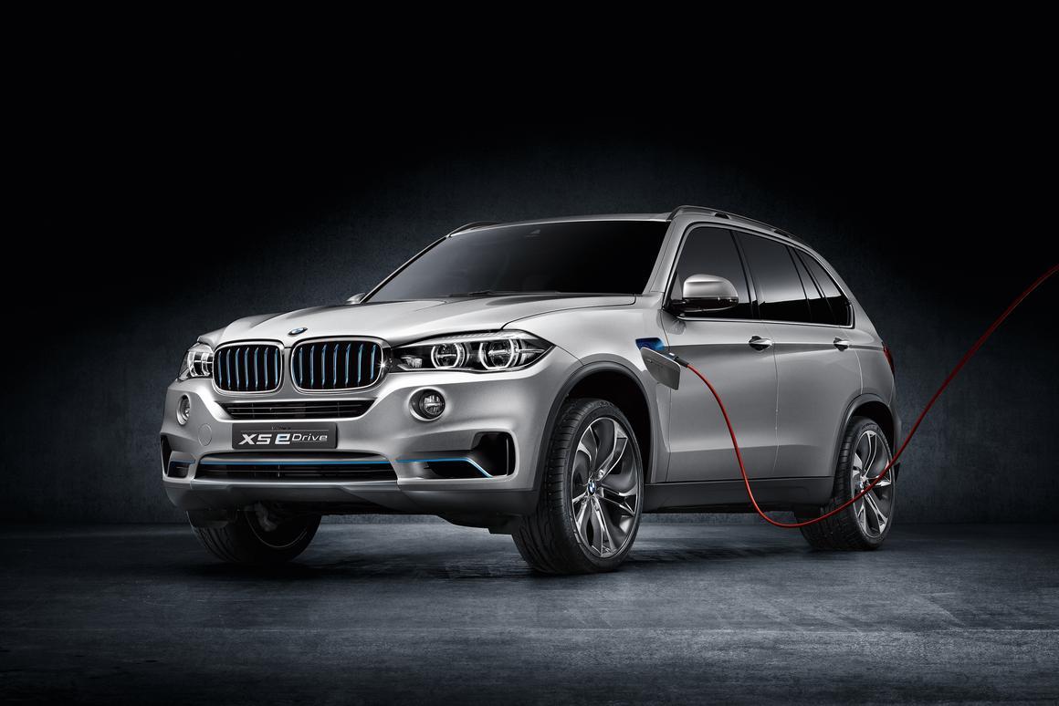 The BMW Concept X5 eDrive has a plug-in hybrid powertrain