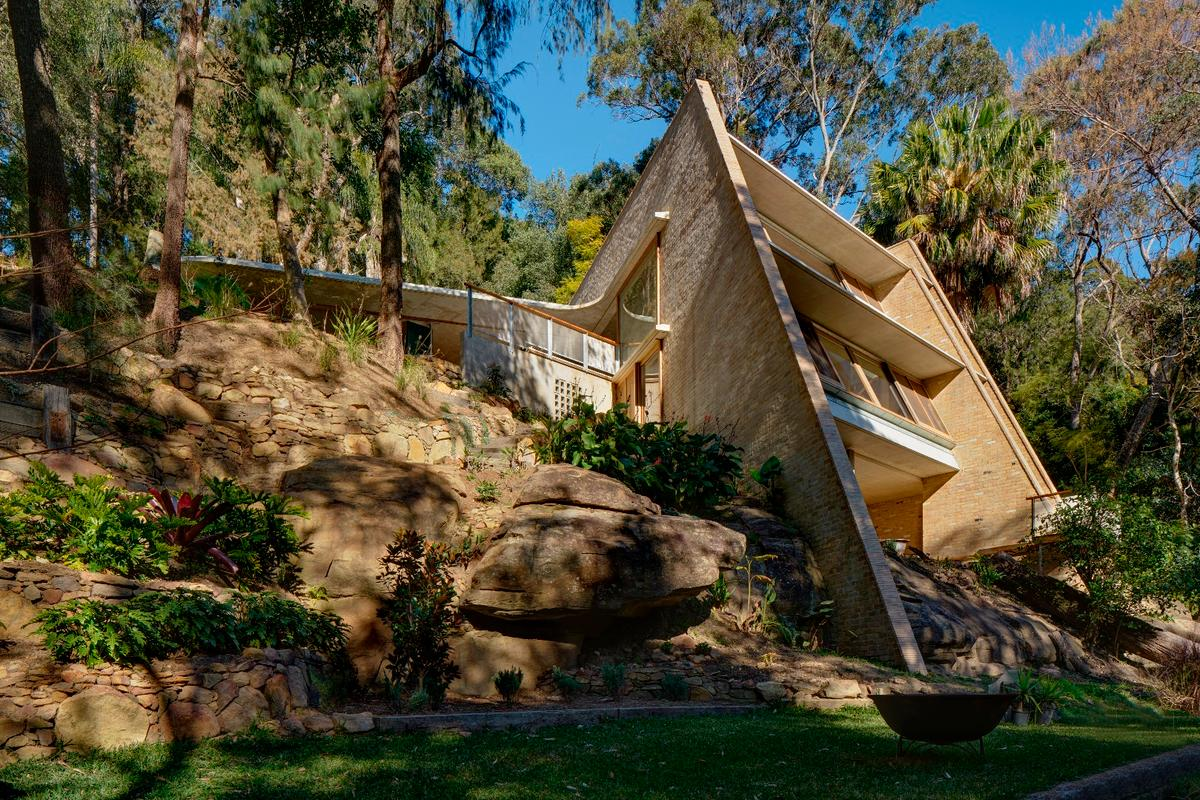 The magnificent Cabbage Tree House, Australian House of the Year