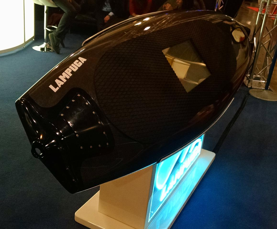 The Lampuga electric surfboard at Boot Düsseldorf 2015 (Photo: C.C. Weiss/Gizmag)