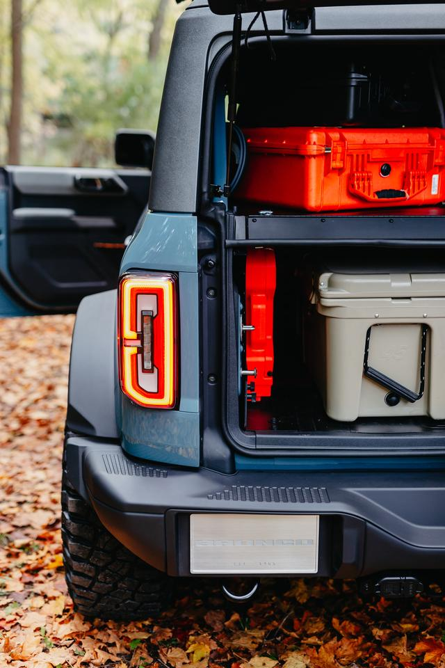 Ford highlights the fully accessorizable nature of the new Bronco with the Overland concept