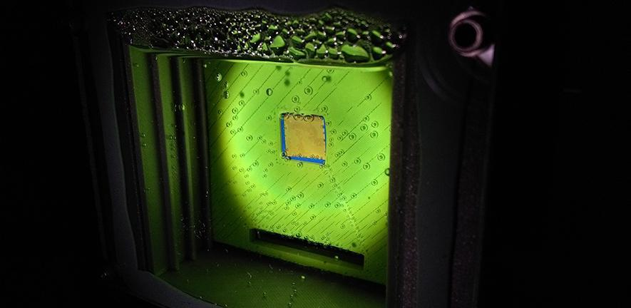 Cambridge's artificial leaf uses two perovskite light absorbers and a cobalt catalyst to convert sunlight, water and carbon dioxide into syngas