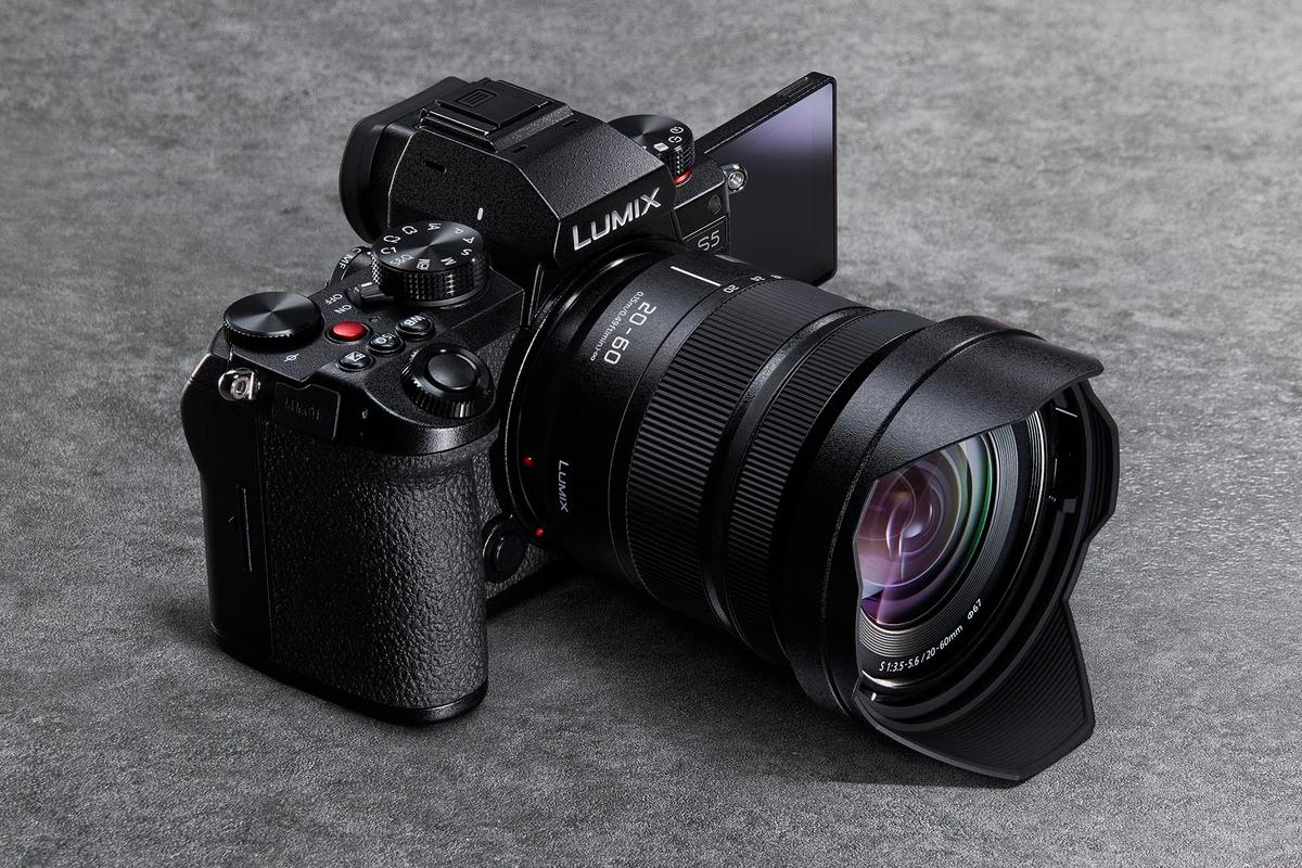 Panasonic has performed an incredible feat of miniaturization by stuffing a full-frame S-series camera into a body slightly smaller than its GH5 micro four thirds camera