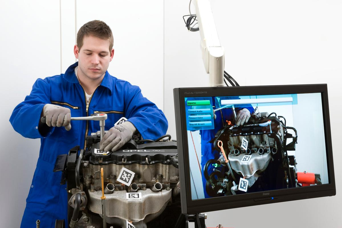 A new augmented reality system allows engineers to provide visual instructions to remote technicians repairing machines, and it doesn't require internet access (Photo: Fraunhofer)
