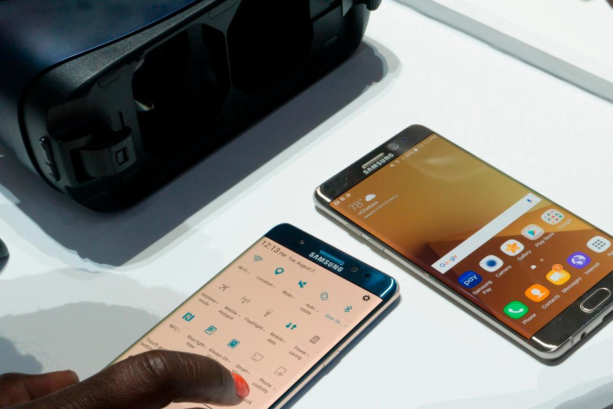 A radically-evolved Galaxy S8 and Gear VR are two of the ways Samsung could make people forget about the Note 7