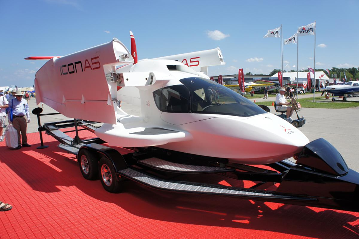ICON Aircraft's A5 amphibious, two-seat, composite carbon fiber plane at Oshkosh/EAA Airventure 2010 (Image: Noel McKeegan)