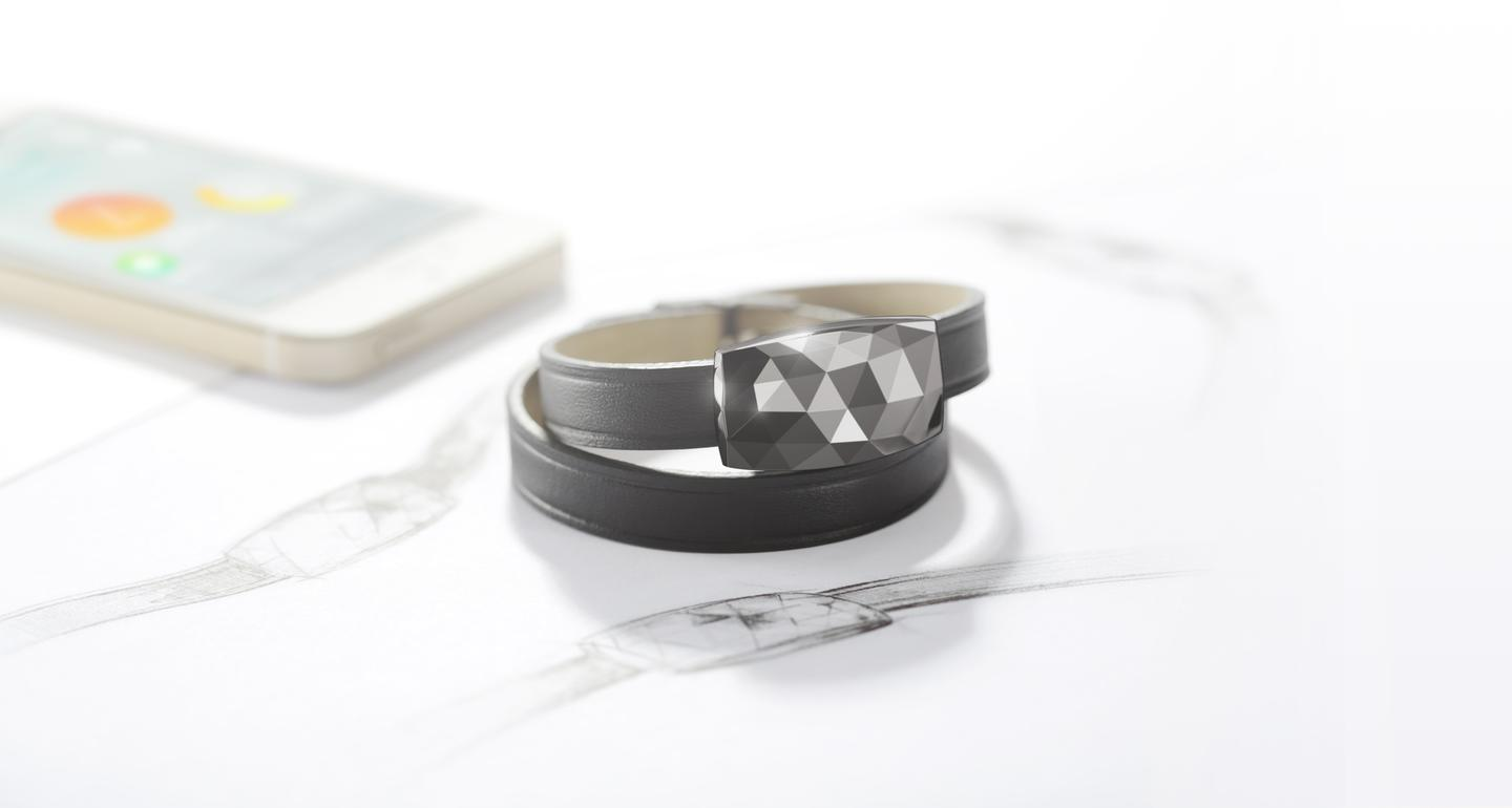 Netatmo's JUNE bracelet in gunmetal