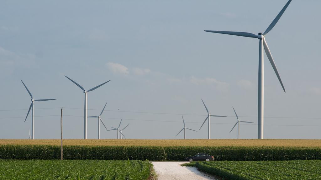 A wind farm in Indiana (Image: DeaPeaJay)