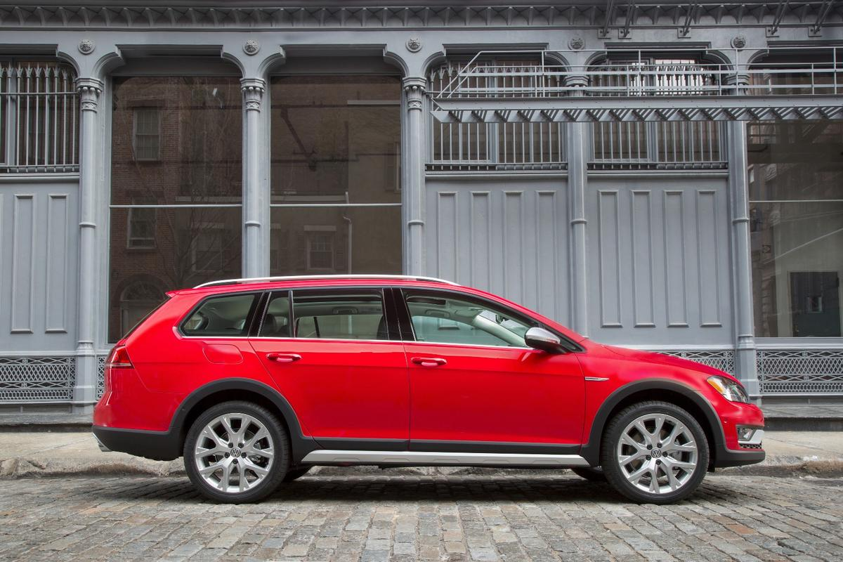 About an inch of ground clearance was added to the Alltrack over the SportWagen
