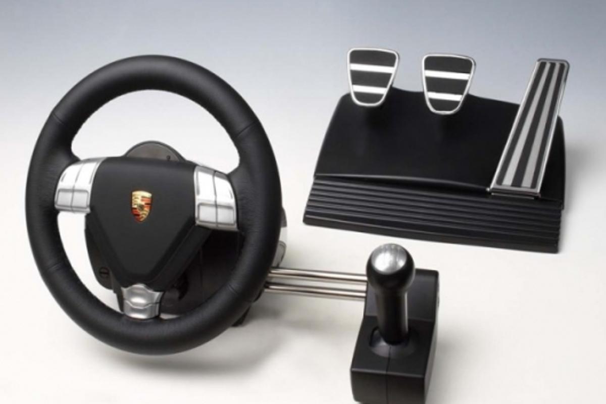 Fanatec's Porsche 911 Turbo Racing Wheel