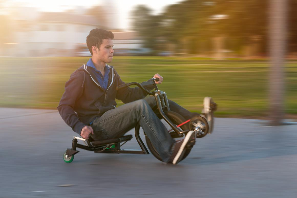 With its rear swivel wheels locked, the ONDA Cycle steers just like any other three-wheeler, but offers the rider precision control for spins, drifting and tight turns when unlocked