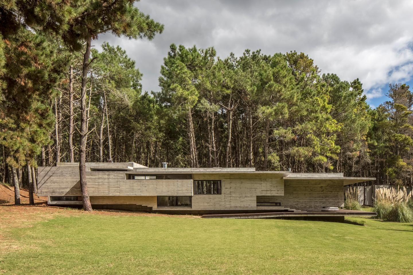 Exposed concrete mightn't be the most sophisticated material you could choose to make a house, but we are continuing to see how when arranged in the right way it can make for a spectacular place to call homecompleted