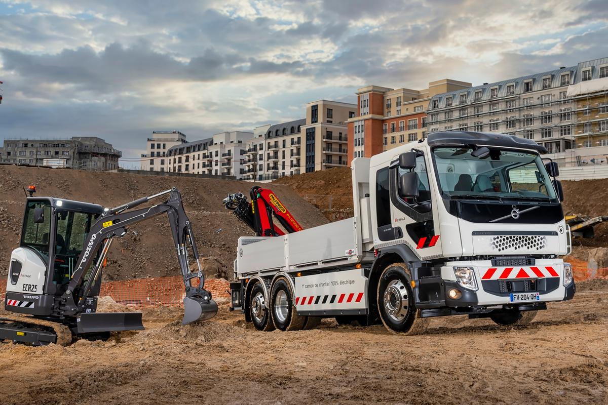 Contractor Eiffage has become the first customer in France for Volvo's FE Electric truck and ECR25 Electric compact excavator