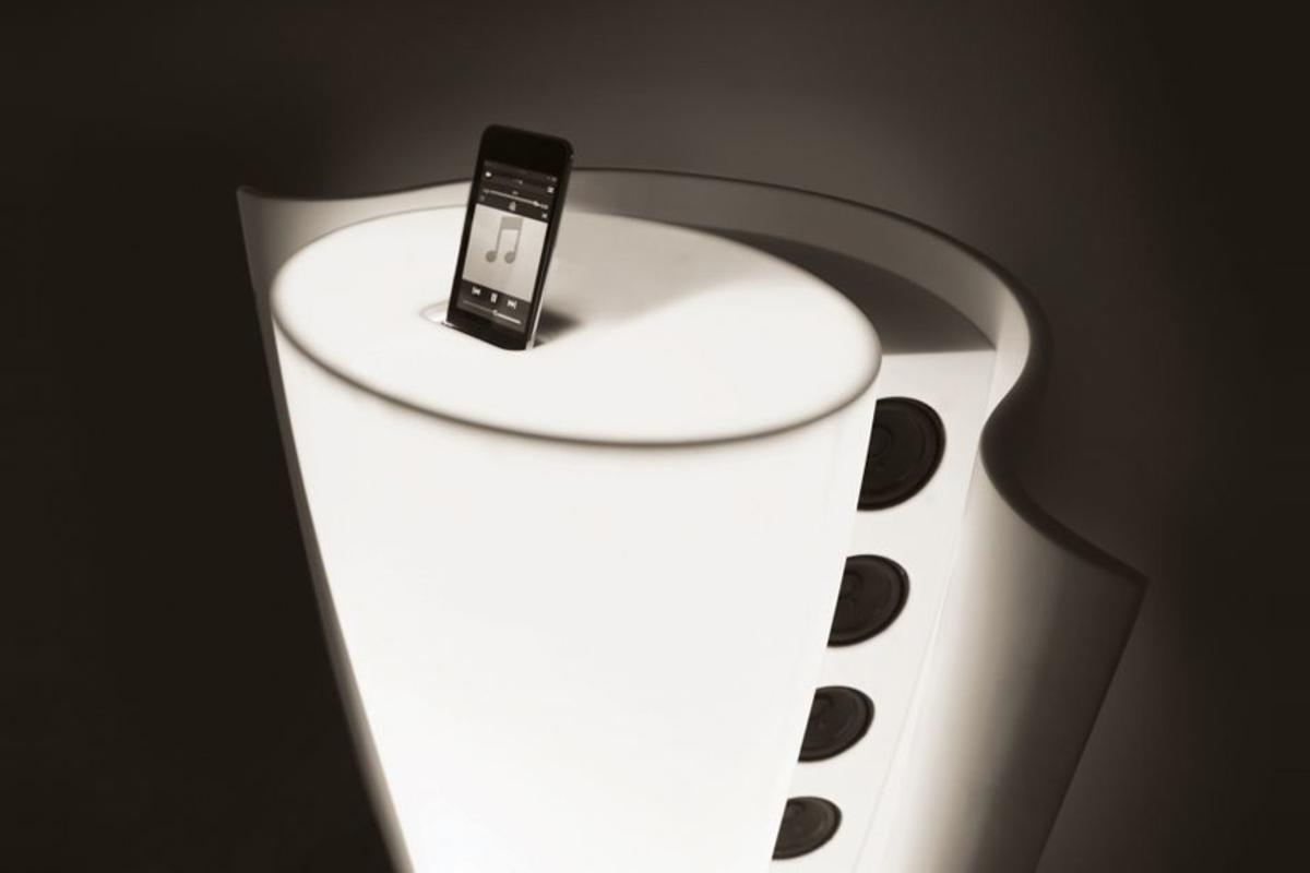The Horn iPod speaker dock