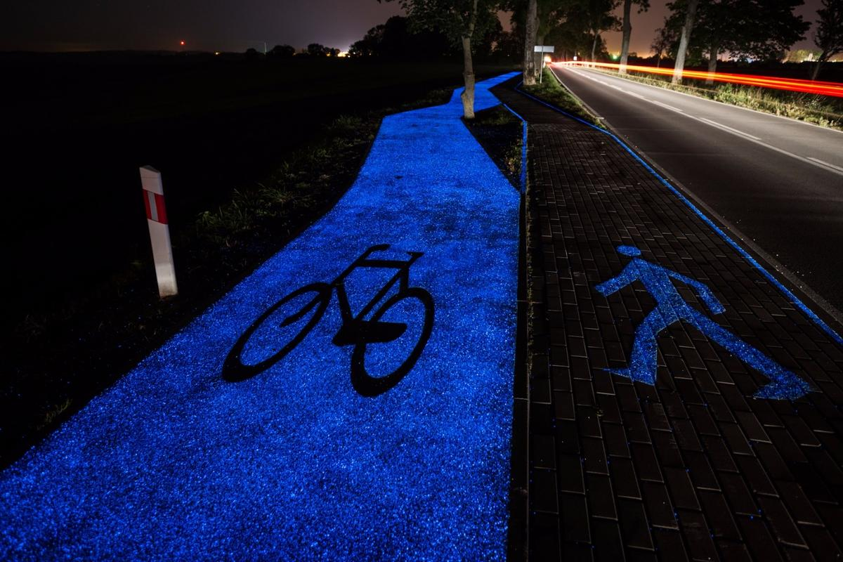 Work on Lidzbark Warminski's glow-in-the-dark bike path began about a year ago