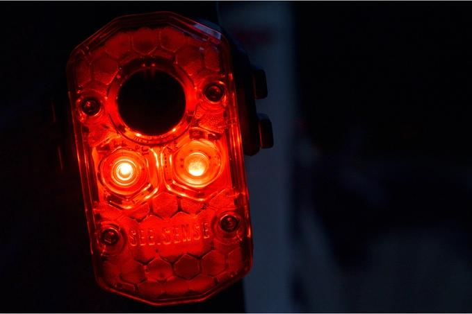 The See.Sense Icon lights each incorporate two CREE LEDs, putting out a maximum of 95 lumens in the rear and 125 in front