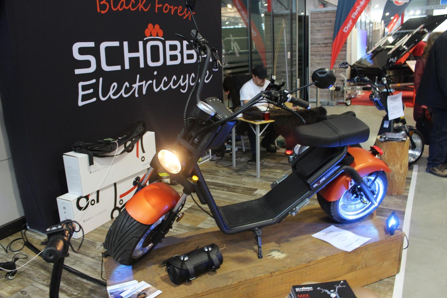 The Schobba 2.0 has a 60 km all electric range and a top speed of 40 km/h