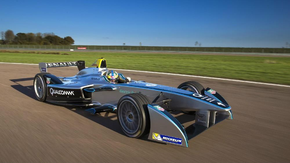 For test purposes, the Spark-Renault SRT_01E used a 50 kW electric motor instead of the 200 kW (270 hp) setup that will be used for actual racing