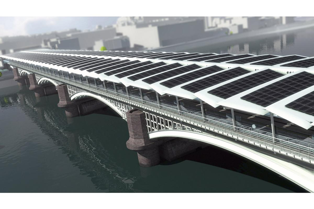 The new Blackfriars railway station, being built on the foundations of a Victorian bridge spanning the River Thames in London, has started to have the first of over 4,400 solar panels installed on its roof (All photos: Solarcentury/Network Rail)
