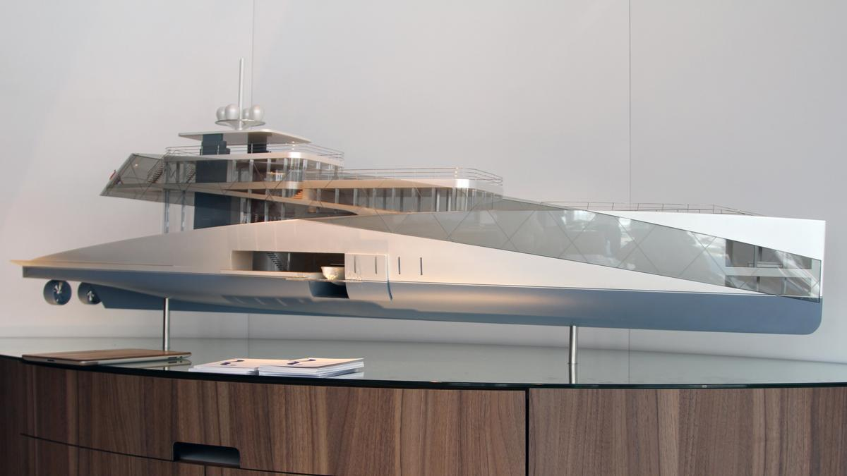 Profile of the scale model of Feadship Royale (Photo: Gizmag)