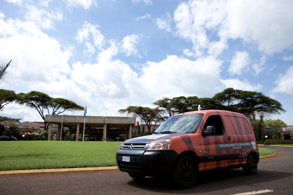 Xavier Chevrin recently began a journey through Africa in an electric Citroën Berlingo to demonstrate the reliability and energy efficiency of electric vehicles under extreme conditions