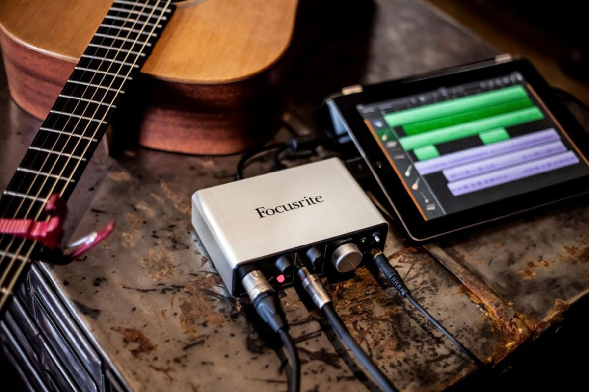 Focusrite has released the iTrack Solo professional audio recording interface for the iPad, with studio-quality guitar and microphone inputs and built-in monitoring