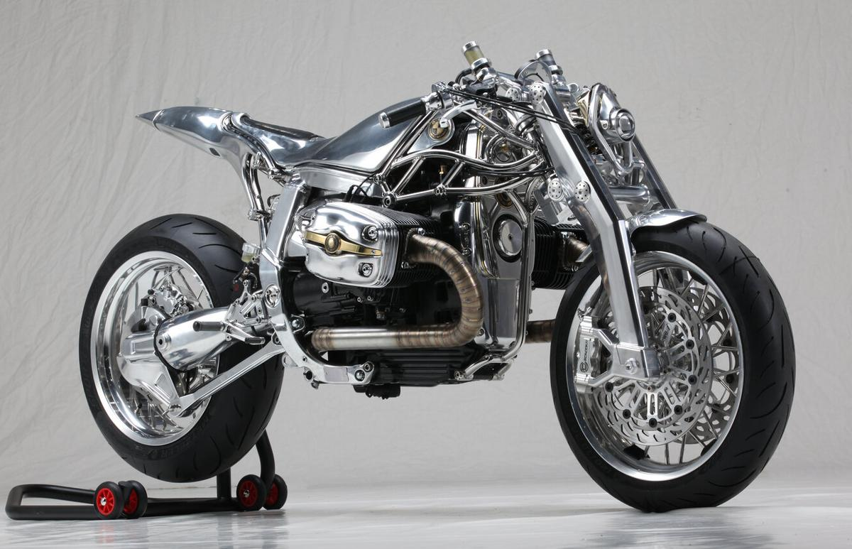 The work of two Milanese custom shops, Project BMW R1100S is a symphony of metal