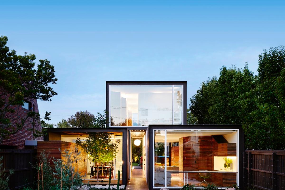 That House takes up a physical footprint that's almost half the size of its neighbors
