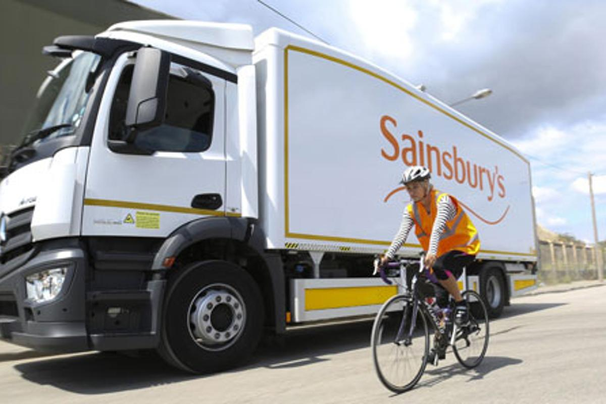 Sainsbury's Mercedes-Benz Antos 1824L with 360 degree video technology.