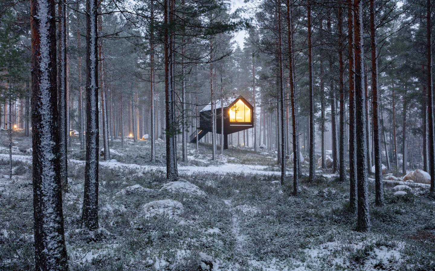 Helsinki-based architectural firm Studio Puisto has recently accomplished the first of 25 tiny tree-top cabins