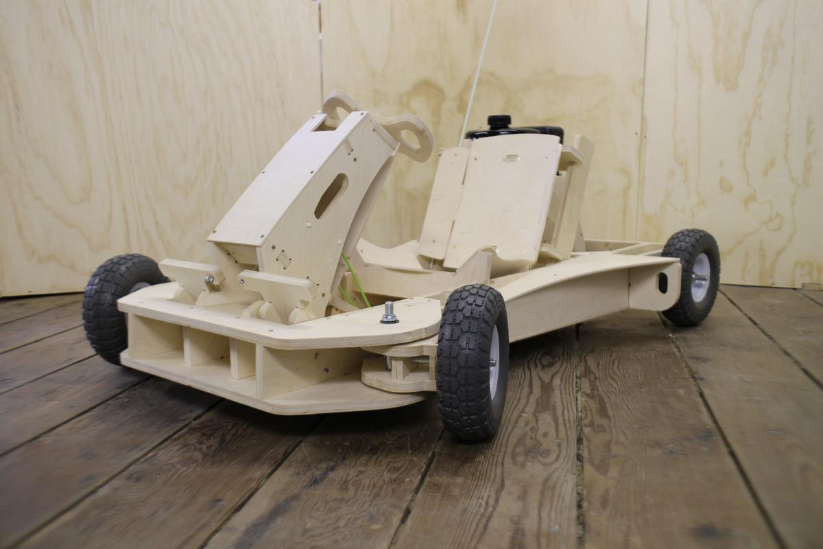 The PlyFly Go-Kart can reach speeds of up to 25 mph (40 km/h)