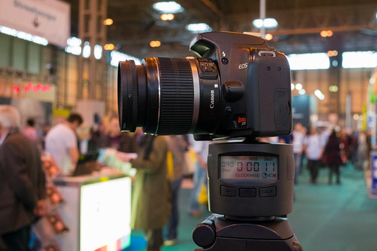 The TurnsPro is a rotating time-lapse mount which has been funded on Kickstarter (Simon Crisp/Gizmag.com)