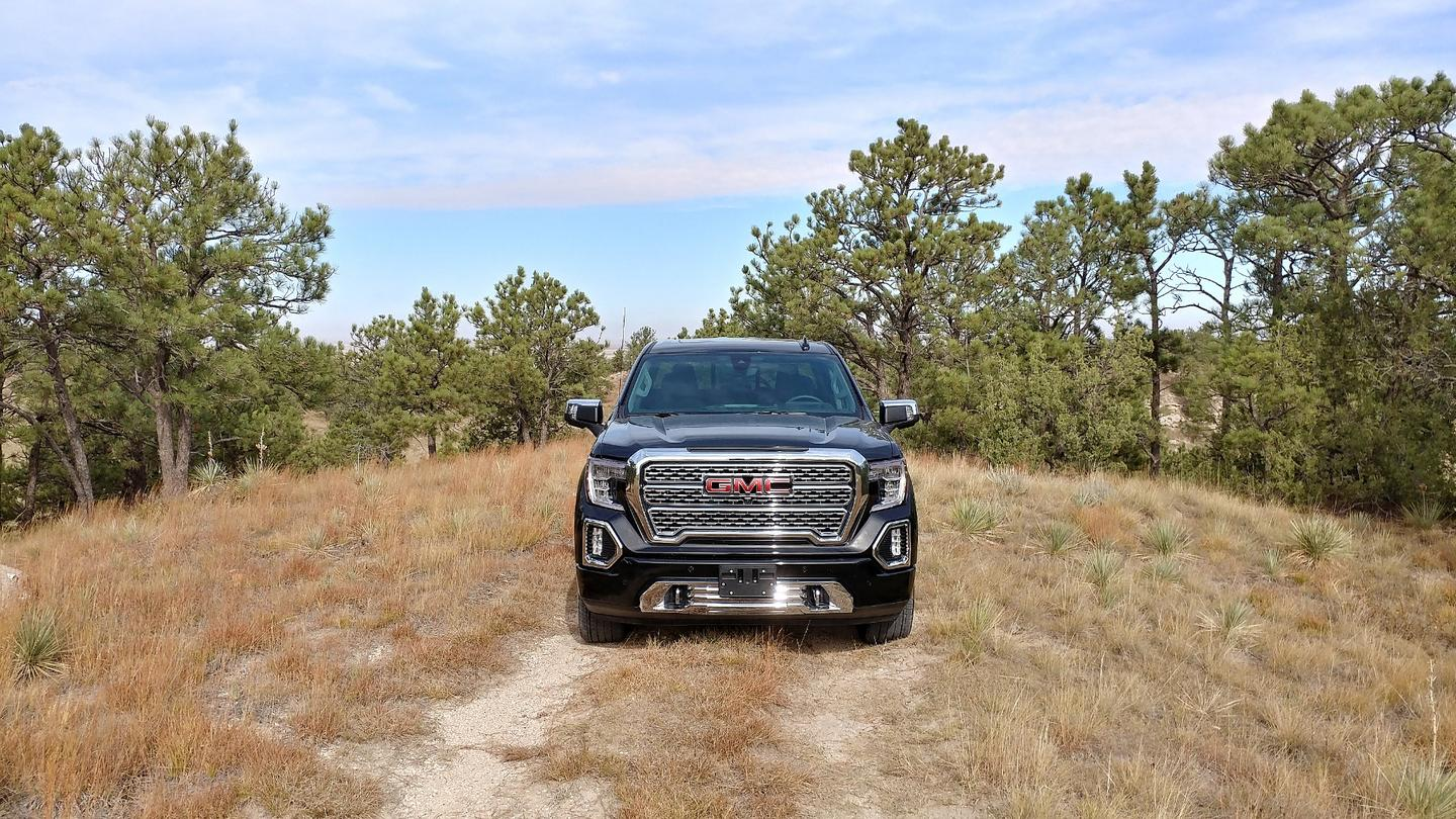 Review: 2019 GMC Sierra Denali has all that and a nifty