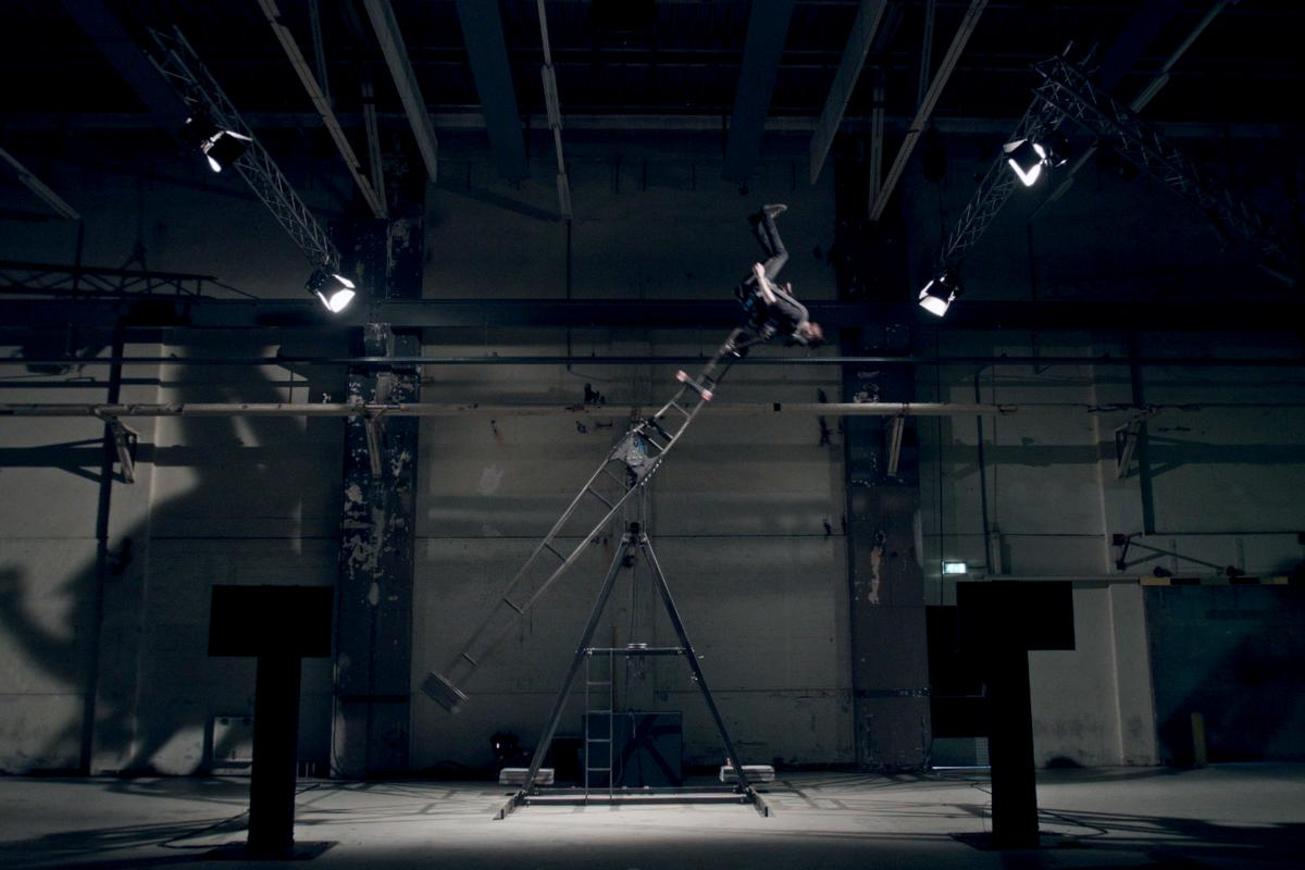 Readings from sensors attached to Daniel de Bruin's body determined the speed of theNeurotransmitter 3000's spin