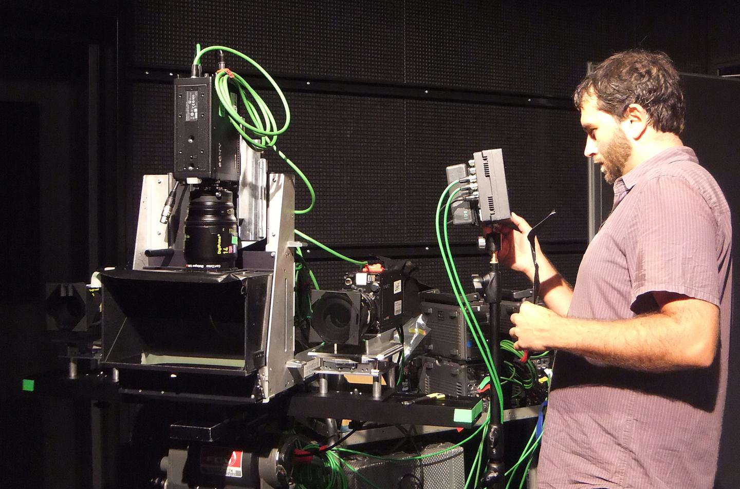 A scientist uses STAN to calibrate a four-camera 3D TV system(Photo: KUK Filmproduktion)