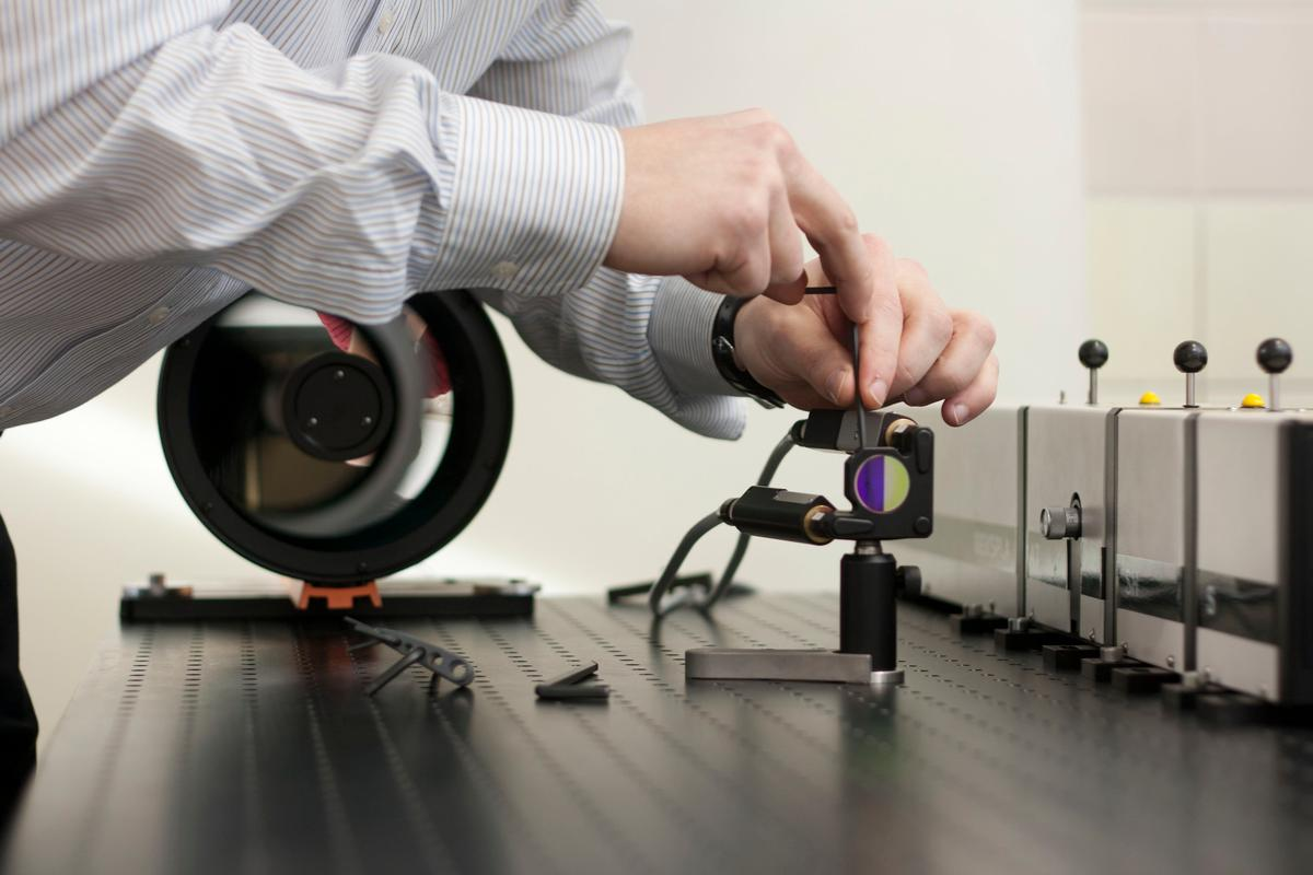 After the laser beam hits the sample, the scattered light is collected by a telescope and the sample analyzed