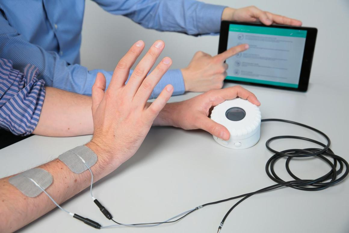 The device allows patients to initiate their own arm movements