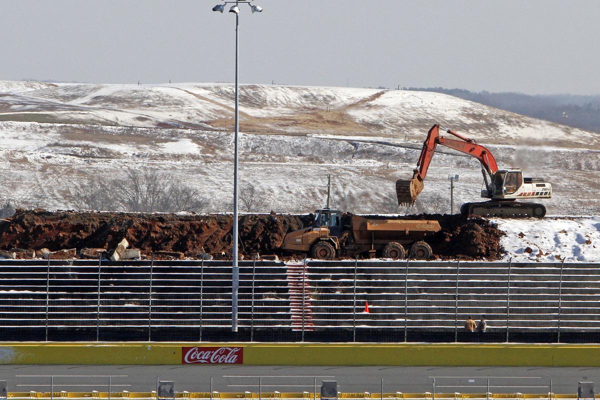 World's biggest HD video board under construction (Credit Harold Hinson/CMS Photo)
