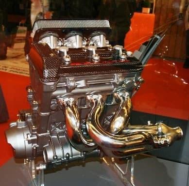 HSR-Benelli Series-R three cylinder engine