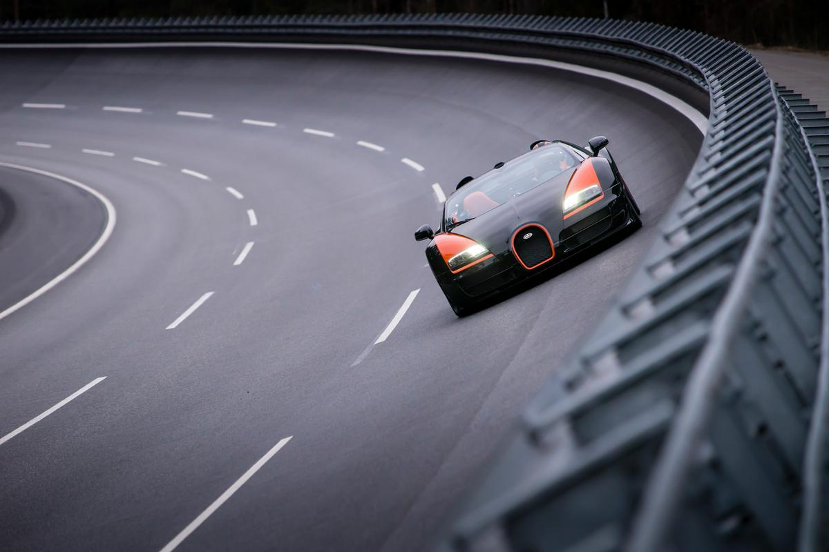 The Veyron on its record run