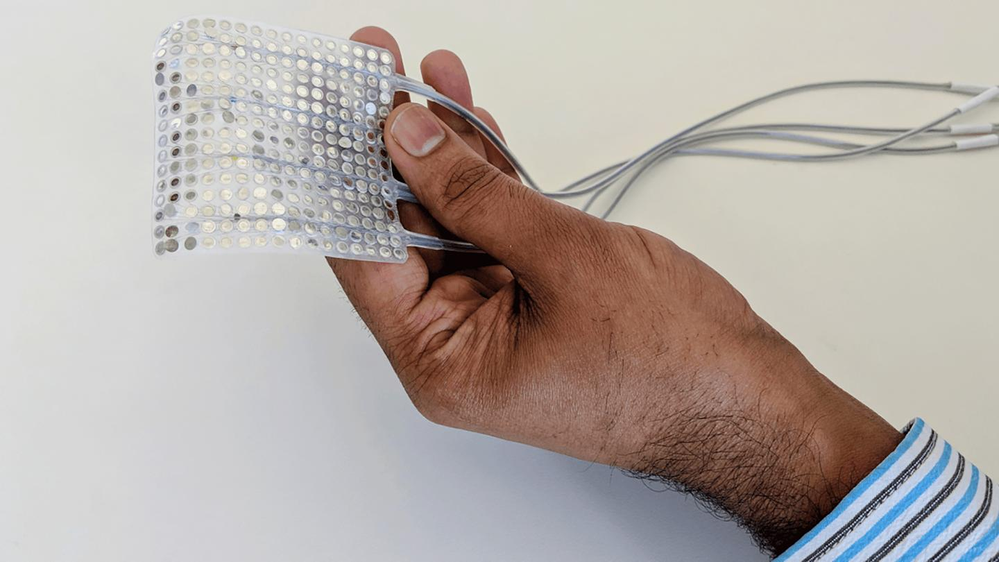 This brain implant works with a neural network to match brain patterns to vocal tract movements