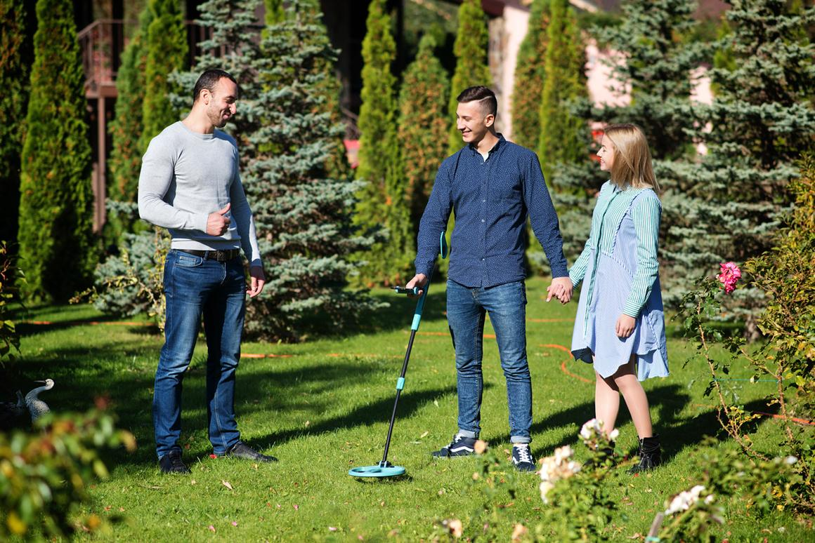 The Air Metal Detector is currently on Kickstarter