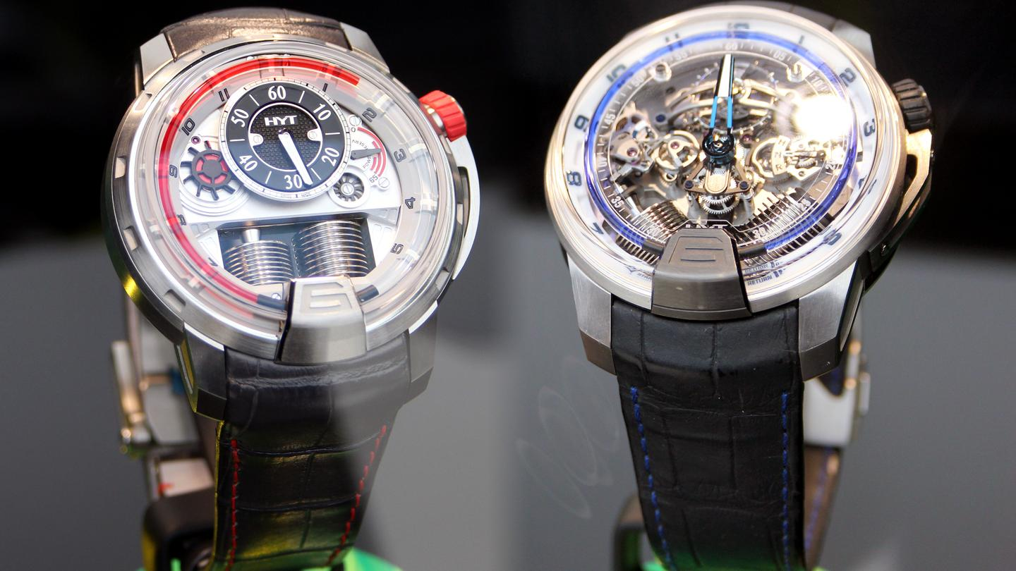 HYT's H1 (left) and H2 (right) movements (Photo: Chris Wood/Gizmag)