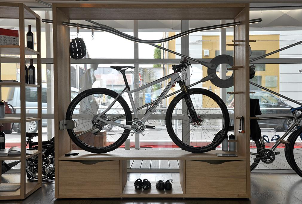 The Bike Shelf has been especially designed to transform one's bicycle into an indoor sculpture or feature piece (Photo: Edoardo Campanale/Gizmag.com)