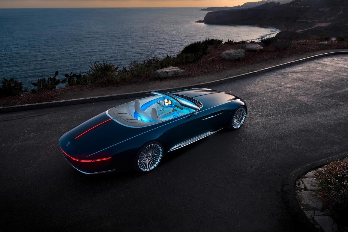 The 2017 Vision Mercedes-Maybach 6 Cabriolet is the droptop version of the Vision Mercedes-Maybach 6 Coupé presented at Pebble Beach in 2016.
