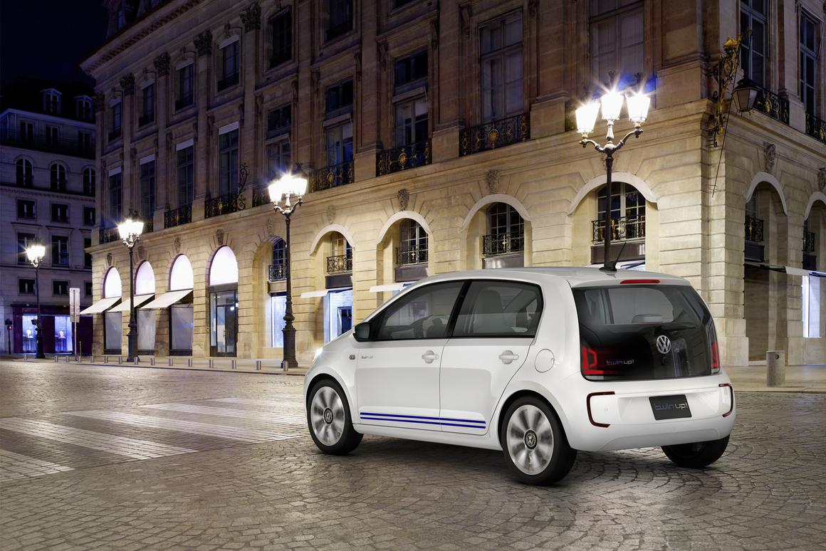 Twin Up! uses a 2-cylinder, 800 cc diesel engine in partner with a 35 kW electric motor to achieve its impressive mileage figures