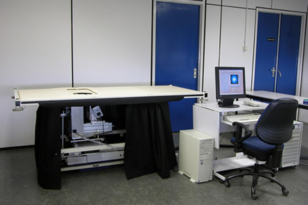 The Twente Photoacustic Mammoscope (PAM) integrated into a bed so patients can be scanned laying down (Photo: Michelle Heijblom, University of Twente)