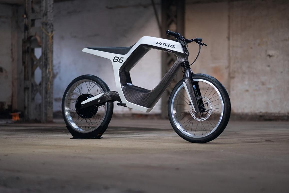 The Novus is a lightweight, narrow, hollow-bodied city commuter with thin tires and ultra-modern styling