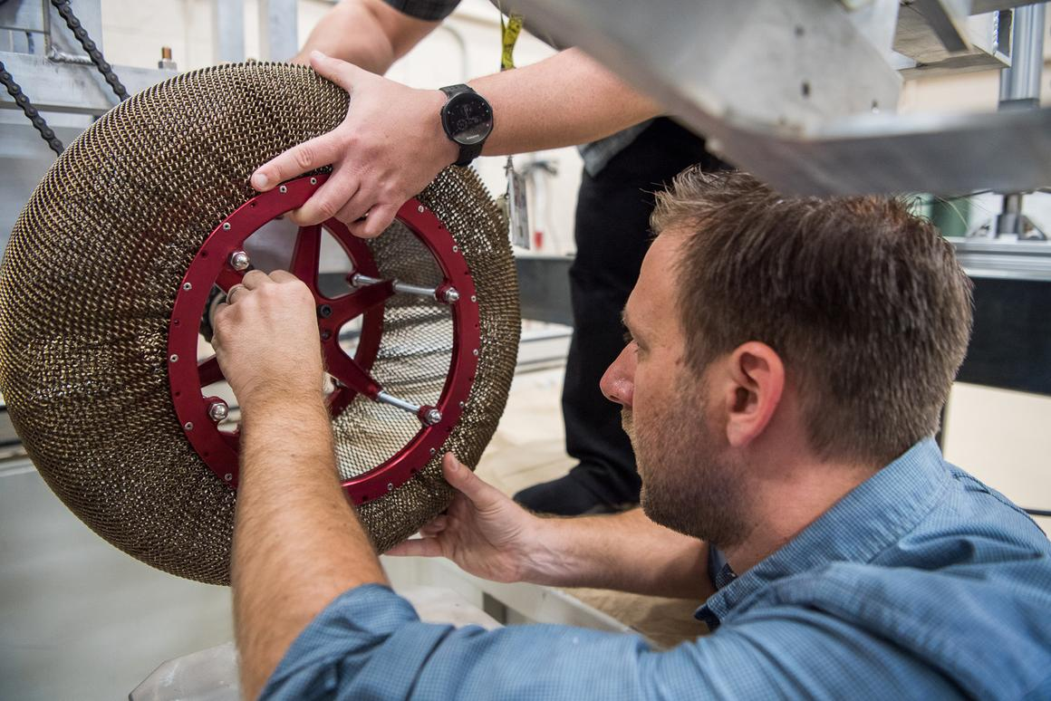 Constructing a test mesh tire
